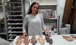 Exposición de cerámica artística en el Muro Líquido