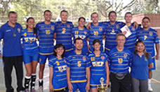 Equipo de Voleibol Mixto de la UTP ganador de los Juegos Empresariales