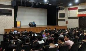 Maestría en Infancia realiza con éxito conferencias